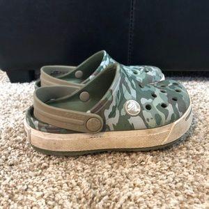 Kids Camo Crocs Size 8/9